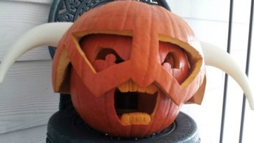 A gaming halloween pumpkin